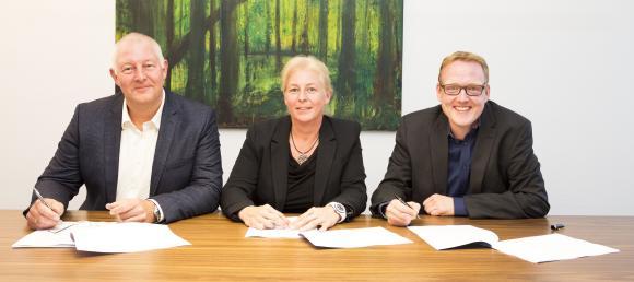 Gemeinsame Neugründung der Systemhaus Cramer GmbH Köln: die Gesellschafter Stephan Schmidt, Dagmar Schmidt und Christian Cramer (v.l.n.r.) / Fotovermerk: Systemhaus Cramer