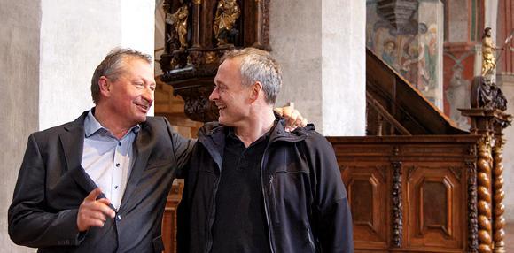 Mitglieder der Theatergruppe des Memminger Fischertagsvereins bei den Proben in der Martinskirche