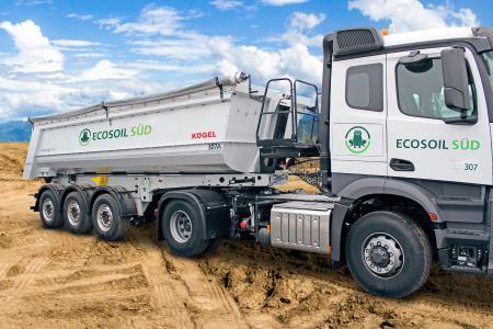 Kögel 3-axle tipper trailer in the ECOSOIL design