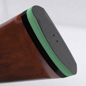 """Das von Recoil Systems unter dem Namen """"green pad"""" auf den Markt gebrachte grüne Polster basiert auf einer SLAB Dämpfungsplatte des Typs SL-100 aus visco-elastischem PUR-Werkstoff der ACE Stoßdämpfer GmbH / Bildnachweise: ACE Stoßdämpfer GmbH / Recoil Systems"""