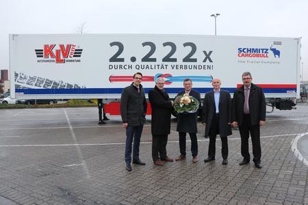 Uebergabe Schmitz Cargobull Trailer Kofferauflieger an KLVrent Nutzfahrzeugvermitung