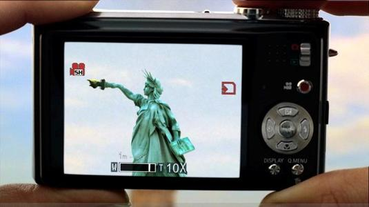 Lumix TZ7 with Statue