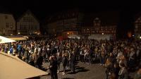 Bildunterschrift: Mehr als 1.500 Zuschauer waren gebannt von der Leuchtkraft des hellsten LED-Flutlichts der Welt Bildquelle: silence lights. (Fotograf: nkproduction)