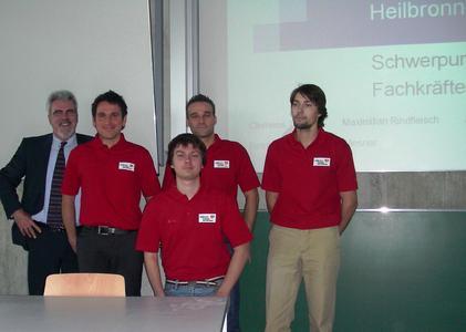 Prof. Wiesner und die 4 Projektstudenten der FH Würzburg-Schweinfurt