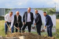 Spatenstich für den Altran Campus Wolfsburg durch CEO Werner Ferreira, das Management Team Wolfsburg und Architekt André Bühring