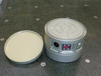 Witte: Self-contained vacuum chuck with double-sided vacuum clamping surface