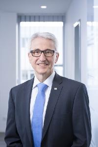 Klaus Brinkmann ist seit 1. Juni 2020 neuer Head of Engineering bei SMC Deutschland. Der 57-jährige Maschinenbau-Ingenieur will den komplett neuen Bereich als wichtigen Baustein in der Wachstumsstrategie von SMC ausbauen und den Fokus auf die Kundenzufriedenheit legen. Foto: SMC Deutschland GmbH