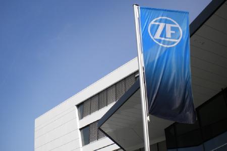 Nachdem sich die weltweiten Fahrzeugmärkte langsam beleben, fährt ZF die Produktionskapazitäten wieder hoch und erwartet für das Gesamtjahr ein positives bereinigtes EBIT, Bild: ZF