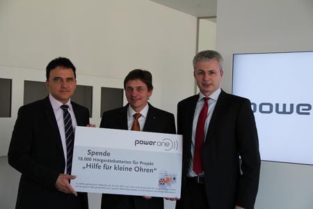 v.l.n.r. Herbert Schein (CEO der VARTA Microbattery GmbH), Andreas Schirpke (Präsident Lions International Club), Markus Greiff (General Manager VARTA Microbattery GmbH)