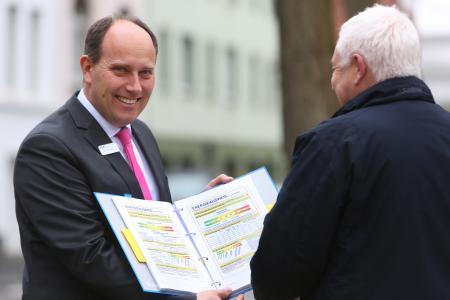Marc-André Müller, Abteilungsleiter Energienahe Dienstleistungen, berät NEW-Kunden gerne zum Thema Energieausweis