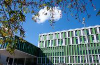 Homburgs IMED: Schön und modern erstrahlt der Neubau der Inneren Medizin des Universitätsklinikums des Saarlandes. Bild: HITZLER INGENIEURE