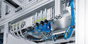 Integrated Automation von Festo als Basis der Integrated Industry: Schon heute integriert die Automatisierungs-plattform CPX Funktionen wie Diagnose, Condition Monitoring, Safety, elektrische und pneumatische Automatisierungs-technik. (Foto: Festo)
