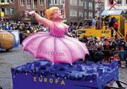 Genauso wie auch beim Bruch der Stabilitätsregeln des EURO wirft die Politik die Prinzipien der Wirklichkeit ohne Zögern über Bord und konzentriert sich darauf, den Zeitgeist anzubeten (Foto: Jacques Tilly)