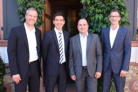Das neue D-Link DACH Vertriebsleiter-Team mit Country Manager Scott Rankin (2.v.l.)