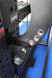 Schwenkeinrichtung zur Auslenkung der Türen aus der Ideallage in 10° Schritten, maximale Auslenkung 30°