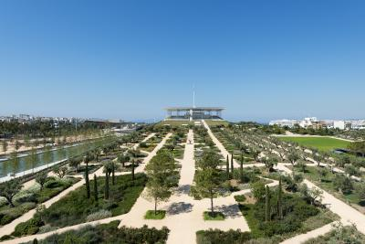 The new Stavos Niarchos Foundation Cultural Center with National Opera and National Library is embedded in a giant mediterranean parkland / Source: SNFCC / Yiorgis Yerolymbos