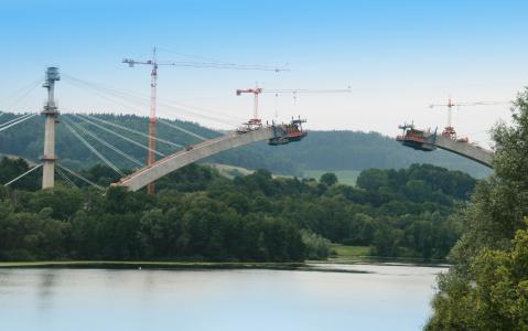 Froschgrundseebrücke im Bau (c) Obermeyer