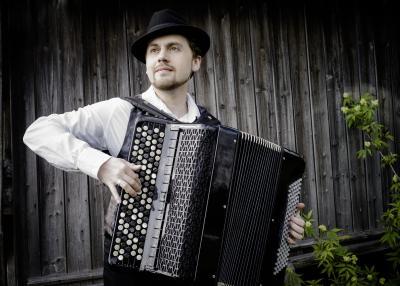 Der russische Weltklassekünstler am Akkordeon Aydar Gaynullin (Quelle: Musik Agentur Schönherr)