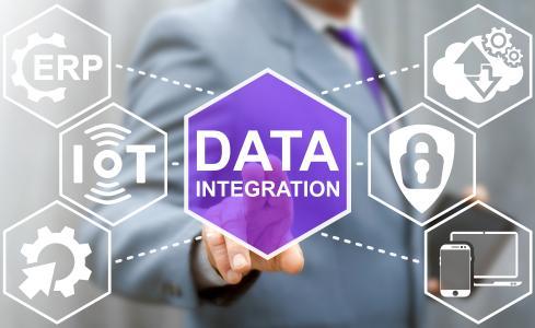 Open Integration Hub, Plattform für anwendungsübergreifende und rechtssichere Daten-Synchronisation – Förderung durch Bundeswirtschaftsministerium / shutterstock