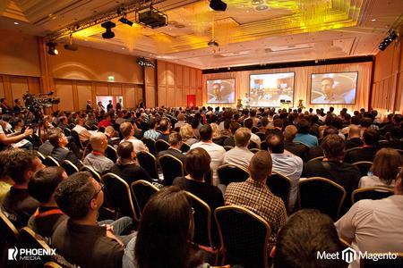 Eröffnung der Konferenz durch Magento Community Manager Rico Neitzel