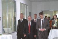Geschäftsführer RAKO Folienprint, Ansgar Schonlau, Ministerpräsident Dr. Harald Ringstorff und Landrat Rolf Christiansen