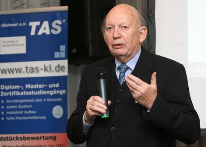 Prof. Dr. Lothar Scherer spricht beim jährlich stattfindenden TAS-Kongress