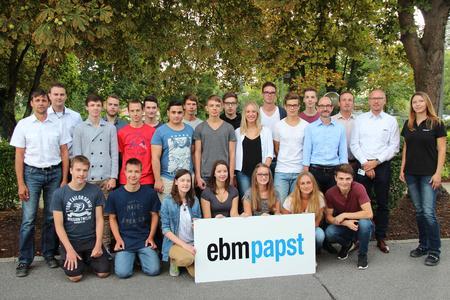 Sie starten in den Beruf bzw. das Studium – die neuen Auszubildenden bei ebm-papst in Landshut.